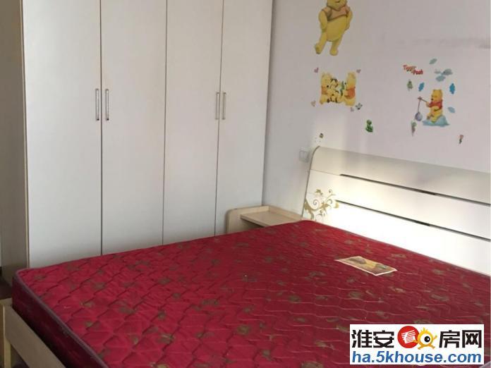 水渡新村、二楼,三室一厅,老式装修,干净整洁,半年付房租
