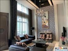 外国语中天联排别墅 两间三层无冲无撞 现代风精致的装修风格