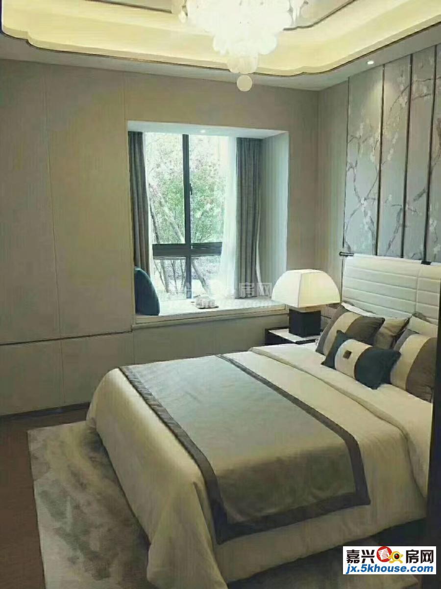 海宁尖山新区金凤城 35万 3室2厅1卫 毛坯 非常安静,笋盘出售!