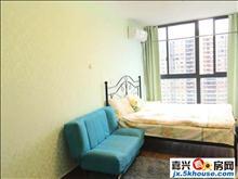 房子是个人的不收中介费,采光好,楼层好,房子干净又整洁。