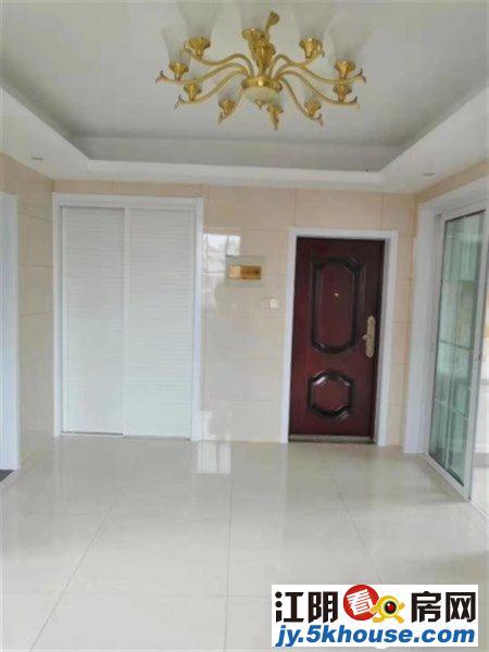 南苑二村 全新婚装 房东因置换新房出售 带22平大车库
