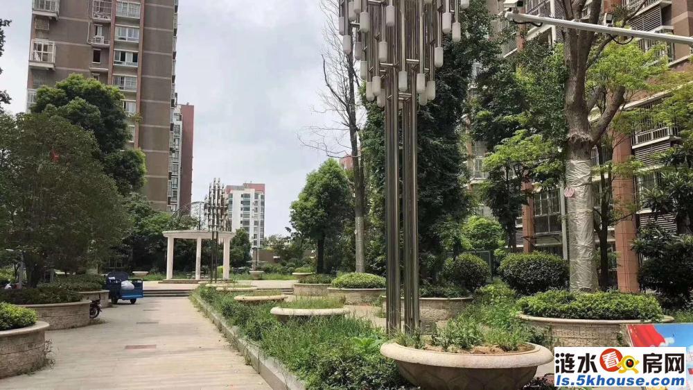 锦绣华庭门面房82平方一层位置好罗马假日南门对面156万。