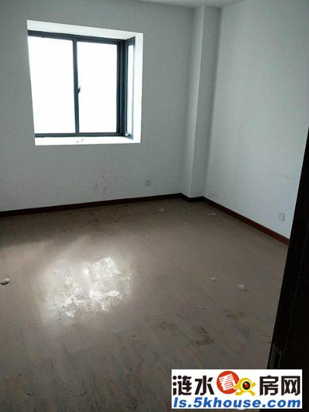 翔宇大道边上 建涛对面 河滨花苑电梯房 简装两室 楼层采光好