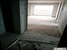 中央城御湖公馆 边户4室  可以改合同 可以贷款
