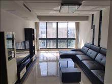 君御豪庭 65万 3室2厅2卫 精装修 低价出售,房主急售。