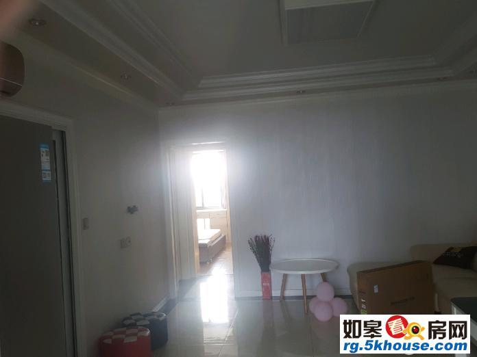 万豪 2室2厅1卫 万豪臻品 2室2厅 2000元/月 中等装修