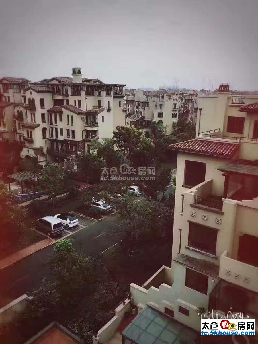 景瑞翡翠湾 300平279万 5室,豪华装修