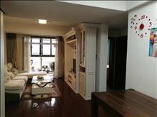 绿地城 3200元/月 3室2厅2卫 精装修新装 小区安静,低价出租