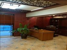 景瑞翡翠湾上叠带电梯中央空调地暖 265万 4室2厅3卫 !