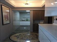 万达广场 4500元/月 2室2厅1卫 豪华装修 ,干净整洁,随时入住
