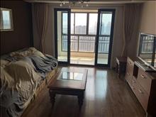 景瑞荣御蓝湾 4000元/月 3室2厅2卫 精装修