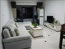干净整洁,随时入住,水岸华府 6500元/月 5室2厅3卫 豪华装修