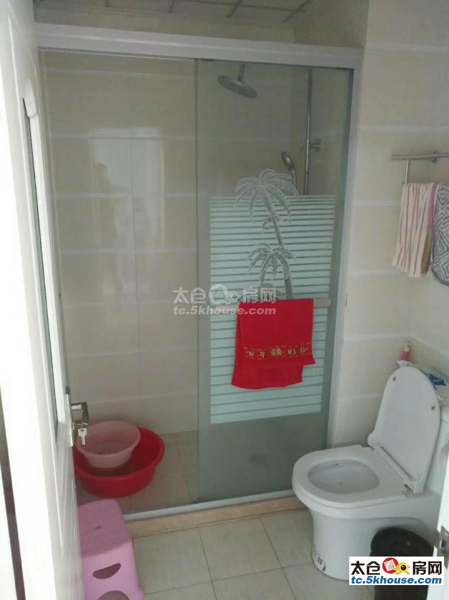景瑞荣御蓝湾75平+8平 158万 2室2厅1卫 精装修 ,直接入住!