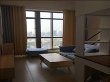太仓国际广场 2600元/月 2室1厅1卫 政府旁边 有钥匙 首次出租