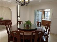 景瑞荣誉蓝湾上叠加景观房,整体美式风格,四房一厨一厅四卫,
