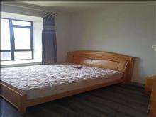 绿地城 2500元/月 4室2厅2卫 简单装修 小区安静,低价出租