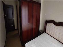 出租雅鹿臻园别墅4房4卫,豪装加院子加车库,14000一个月可商包物业有钥匙