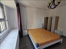 雅鹿臻园 3000元/月 3室2厅2卫, 精装修 采光好,拎包随时就可以入住!