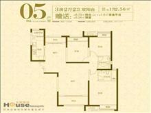 景瑞荣御蓝湾 218万 3室2厅2卫 毛坯 低价出售,房主诚售。