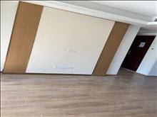 出售 高尔夫鑫城 104平 精装修 180万 好楼层