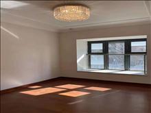 恒大滨江悦府 3200元/月 3室2厅2卫,3室2厅2卫 精装修 家电全齐,大型花园社区
