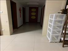 出租,干净整洁,随时入住,高尔夫湖滨花苑 4000元/月 3室2厅2卫, 豪华装修