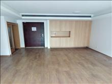 高尔夫鑫城108平 223万 3室2厅2卫 精装修 适合和人多的家庭