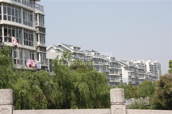 大庆锦绣新城 150万 3室2厅1卫 毛坯!好位置好楼层!绝对好房!