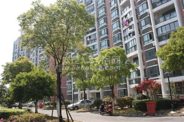 华源上海城 120平米+储藏室14平米175万 3室2厅2卫 精装修!