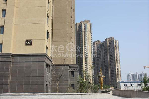 景瑞荣御蓝湾,好楼层,户型方正,3室2厅2卫,诚心出售