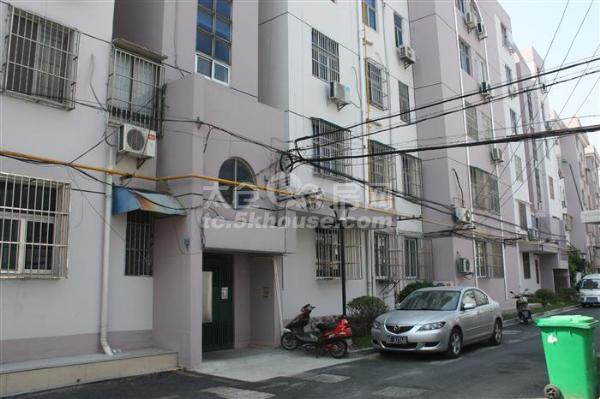 津华园112平米顶楼 163万 3室2厅1卫 精装修 ,地地道道好房!