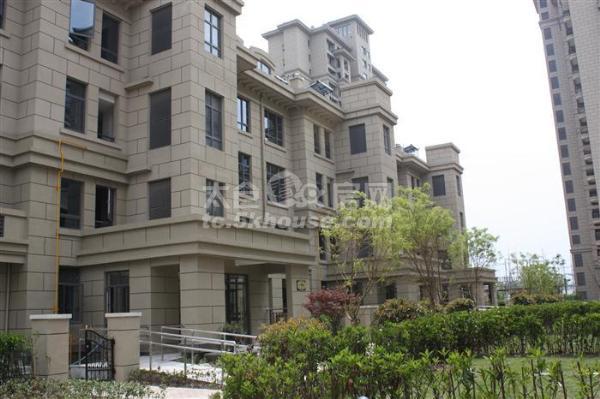 居家花园小区, 雅鹿臻园 97万 2室1厅1卫 精装修 ,业主急卖此房