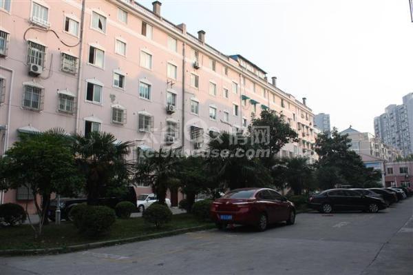 阳光花苑 213万 3室2厅2卫 精装修 周边配套完善