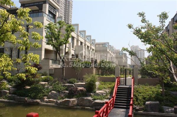 南洋壹号公馆 87+10平210万 3室2厅1卫 豪华装修 ,黄金路段