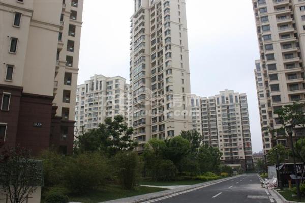 业主出售滨河花园 68万 2室1厅1卫 精装修 ,超低价!