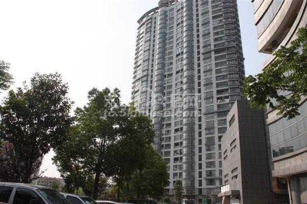 世纪广场208平  370万 4室2厅2卫 精装修