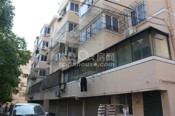 三学区房 香花公寓  3室2厅2卫 简单装修