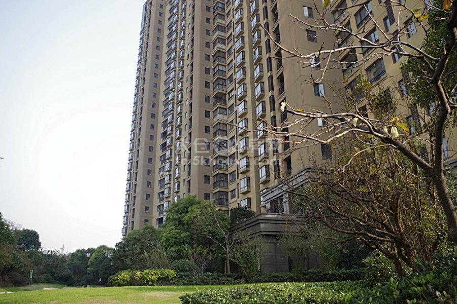 景瑞荣御蓝湾 310万 4室2厅2卫 豪华装修 带地下产权车位2个