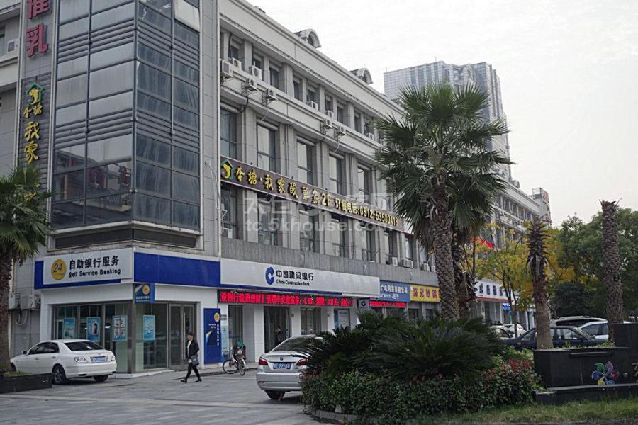 东盛沿街商铺 150平 精装 办公 6万/年 可做门头广告