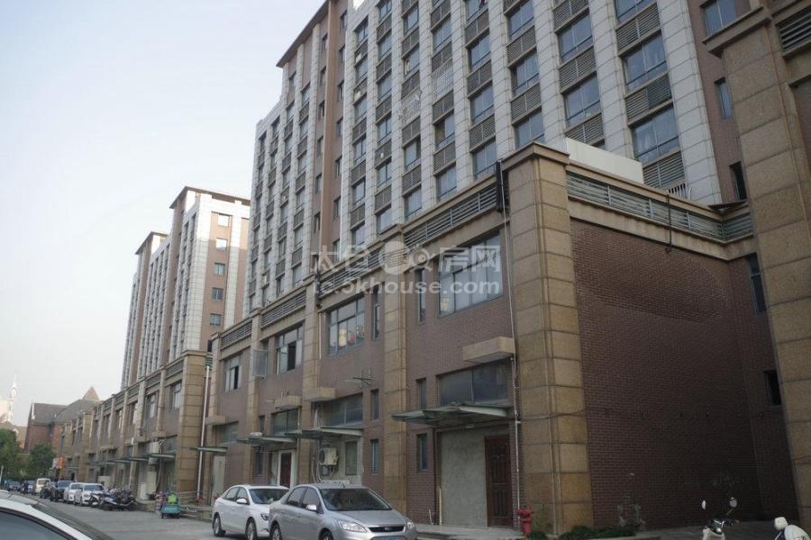 塞纳丽舍3室2厅1卫230万