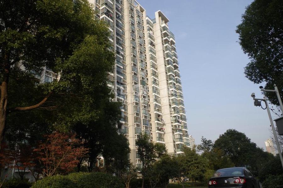 华侨花园学区房市民公园旁101平200万2/1精装修诚心出售!