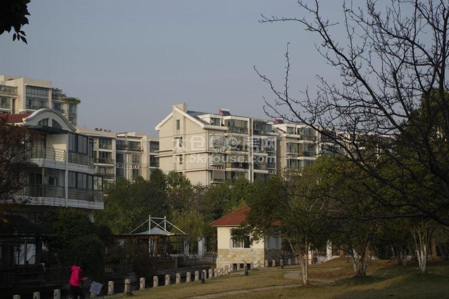 学区房  世纪苑3房2卫 精装修261万 出售 随时看房