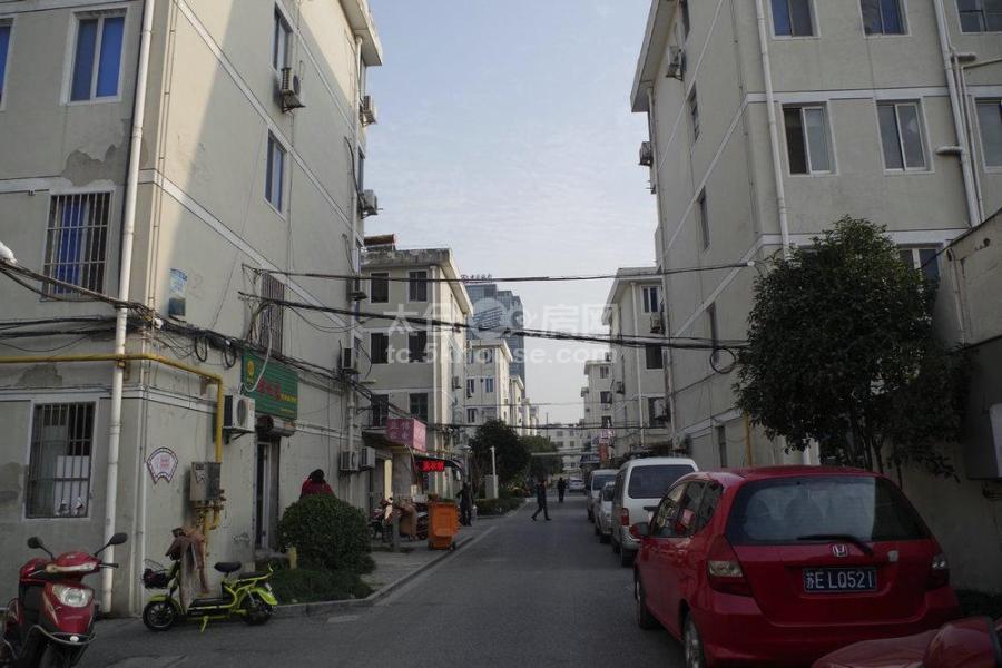 惠阳一村 196万 3室2厅1卫 豪华装修 低价出售,房主急售。