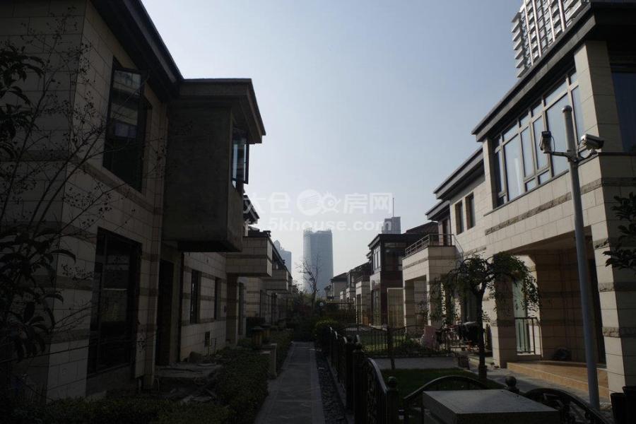 上海公馆 独体 满2年  毛胚房