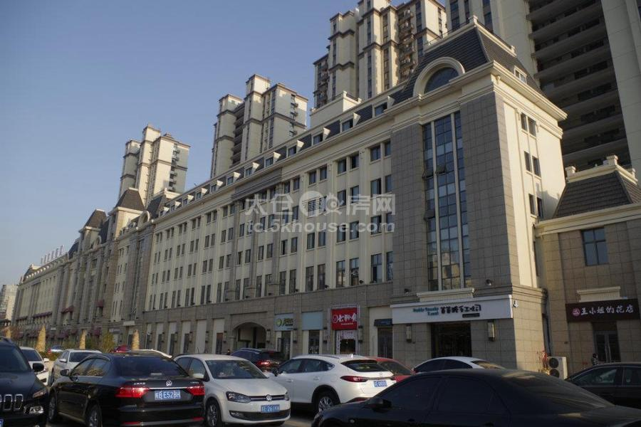 中南时尚街区115平 10万/年 黄金底商出租!随时看房