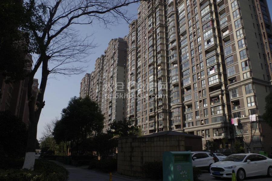出售上海假日110平只卖100万