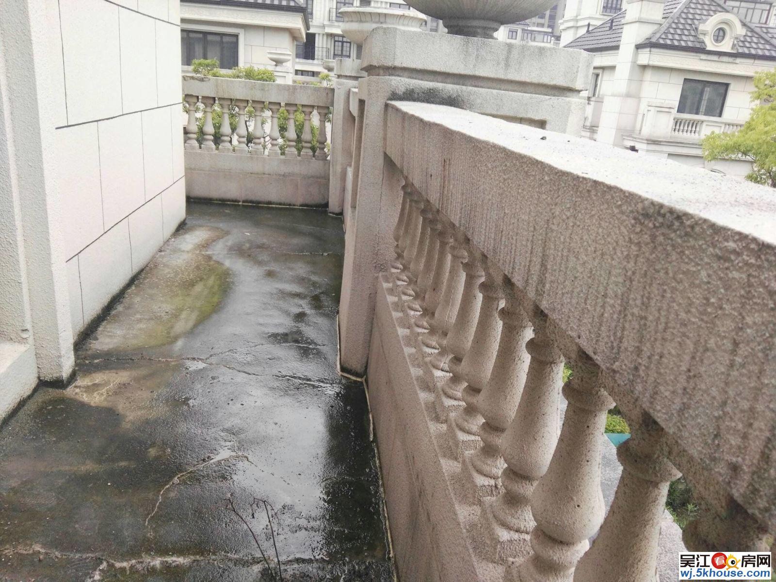 【多图】绿地太湖城满两年联排别墅!地下一层2527别墅米图片