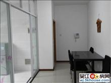 吴江松陵江城花园顶楼 3室2厅 140平米 精装修