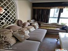 嘉鸿花园 豪华装修 2室2厅1卫 衣帽间 两室朝南 180万