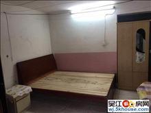 吴模家园西区 15平车库 不能烧菜 不能洗澡 只能简单地睡觉